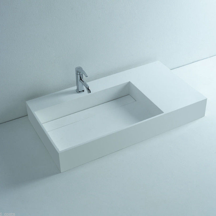 White Color Wall Hung Basin Easy To Clean With 3 Years Warranty